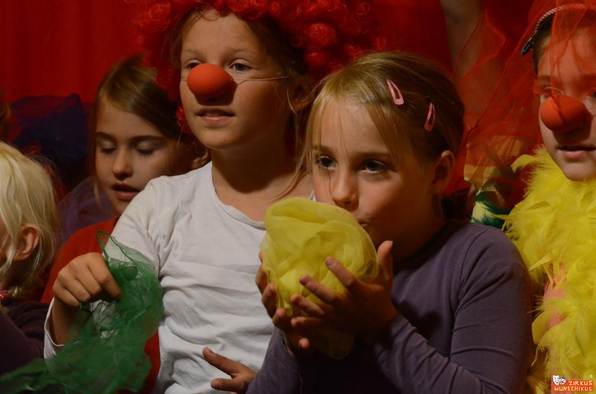 Kinderzirkus-Wunschikus_2014-13.JPG